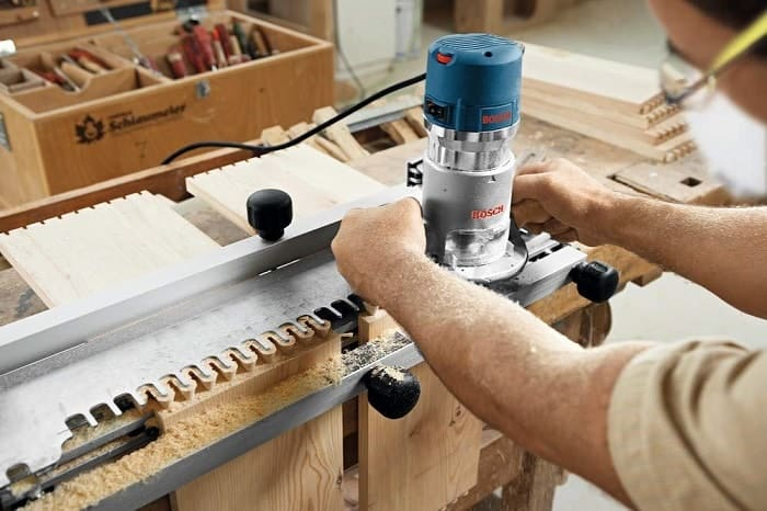 How Does a Trim Router Work