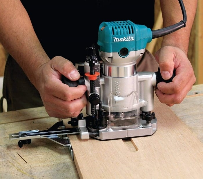 What is Plunge Router