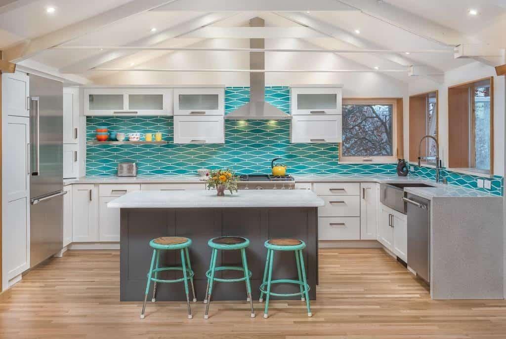 U-Shape design by K&W Interiors