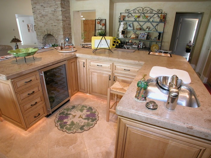 what is u shaped kitchen