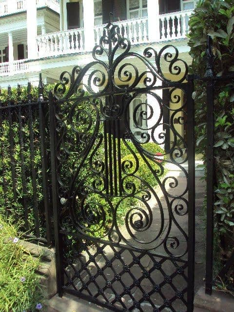 C:\Users\ALPHONSUS\Downloads\classic+black+iron+gate.jpg