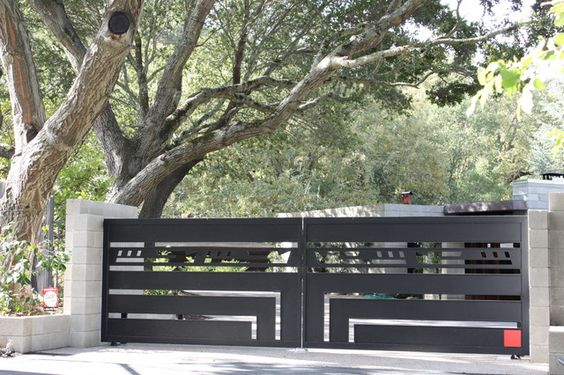 Wrought Iron Driveway Gate Design Ideas 26