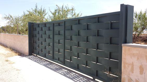 Wrought Iron Driveway Gate Design Ideas 5-min