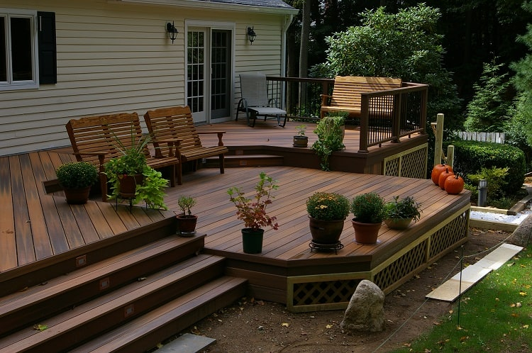 levels and views deck