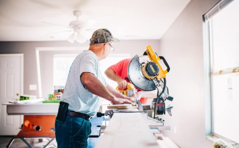 how to find a miter saw