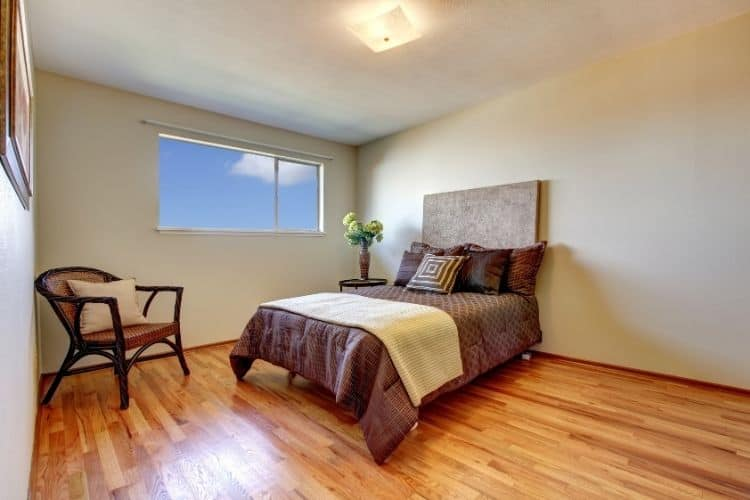 Laminate flooring bedroom