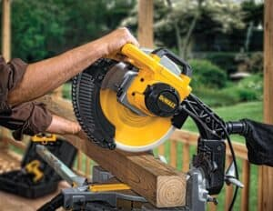 Read more about the article Radial Arm Saw vs Miter Saw: What's the Difference and Which to Get?